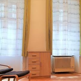 Vas utca - kiadó bútorozott garzon lakás