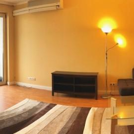 Soroksári út - 2 és fél szobás bútorozott lakás