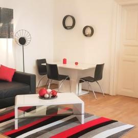 Frissen felújított háromszobás Teréz körúti lakás